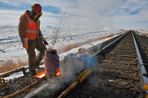 07 justin hofeldt railway welder 670 resized 600