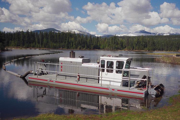 Rugged self-propelled dredge